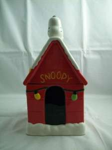 Hallmark Peanuts Snoopy Doghouse Christmas Cookie Jar