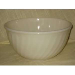 Large Vintage Fire King White Swirl Mixing Batter Bowl   6